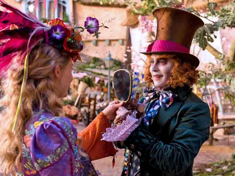 Спектакль Алиса в Зазеркалье
