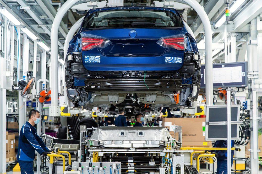 Лучшие новости о запуске производства электрокроссовера BMW iX3