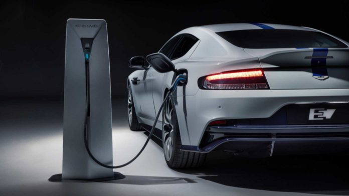 Лучшие новости об обвинении компании Aston Martin в черном пиаре против электромобилей