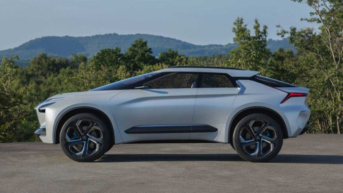 Лучшие новости о выпуске электрического кроссовера Mitsubishi в 2021 году.