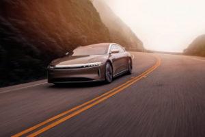 Лучшие новости о старте выпуска электрического седана Air компанией Lucid.