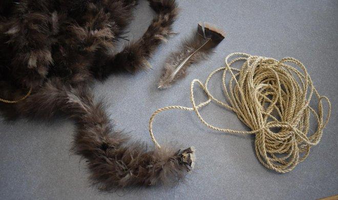 Лучшие новости рассказывают про древнее одеяло из 11500 перьев индейки
