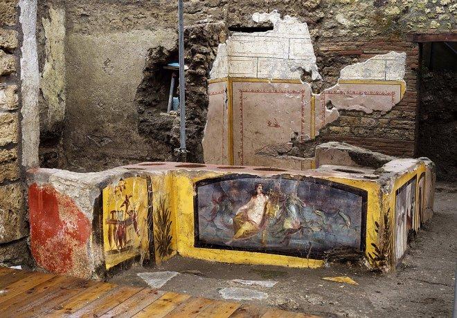 Лучшие новости о находке лавки фаст - фуда в Помпеях.