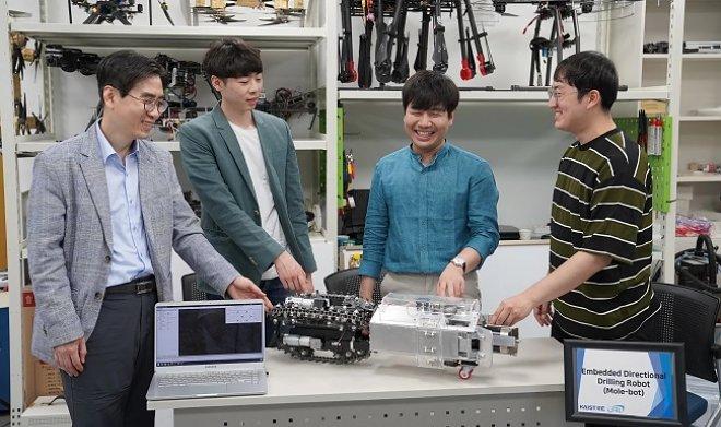Лучшие новости о создании робота-крота в Корее.