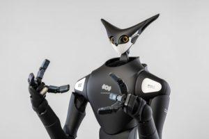 Лучшие новости о старте испытаний робота - раскладчика в магазинах Японии.