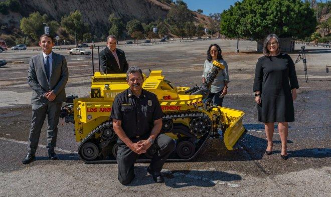 Лучшие новости о первом роботе-пожарном в США