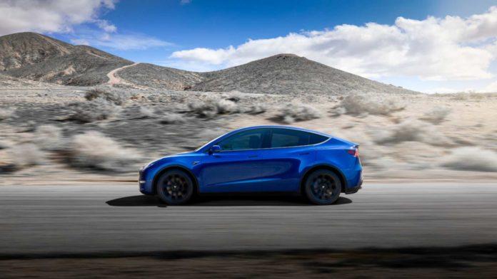 Лучшие новости о старте продаж Tesla Model Y