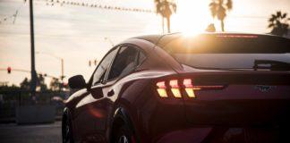Лучшие новости о недостатках автомобилей Ford и Tesla