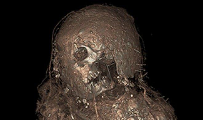 Лучшие новости о мумии из Древнего Египта в уникальном грязевом коконе.