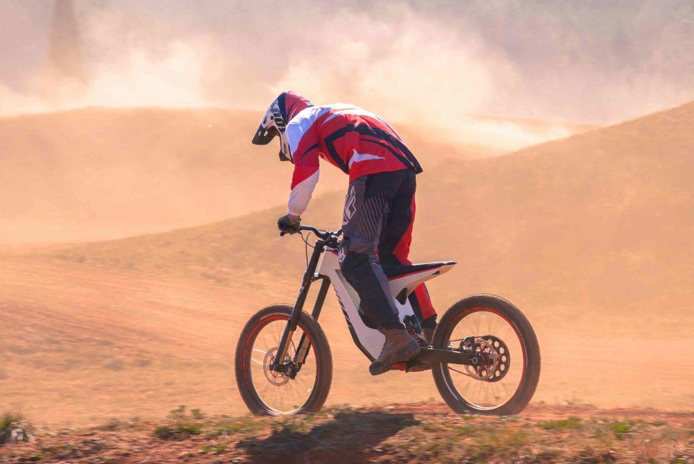 Лучшие новости о новом электромотоцикле TORP мощностью 15 кВт.