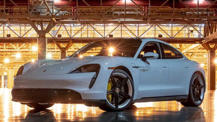 Лучшие новости о новом рекорде Porsche Taycan