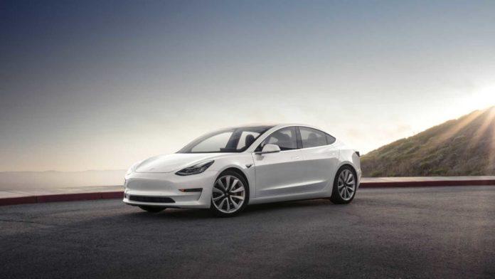 Tesla Model 3 при -28