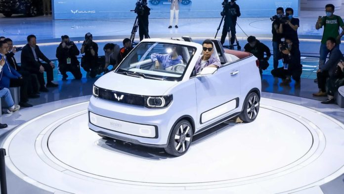 Лучшие новости о презентации нового электрического кабриолета Wuling Hongguang Mini EVЛучшие новости о презентации нового электрического кабриолета Wuling Hongguang Mini EV