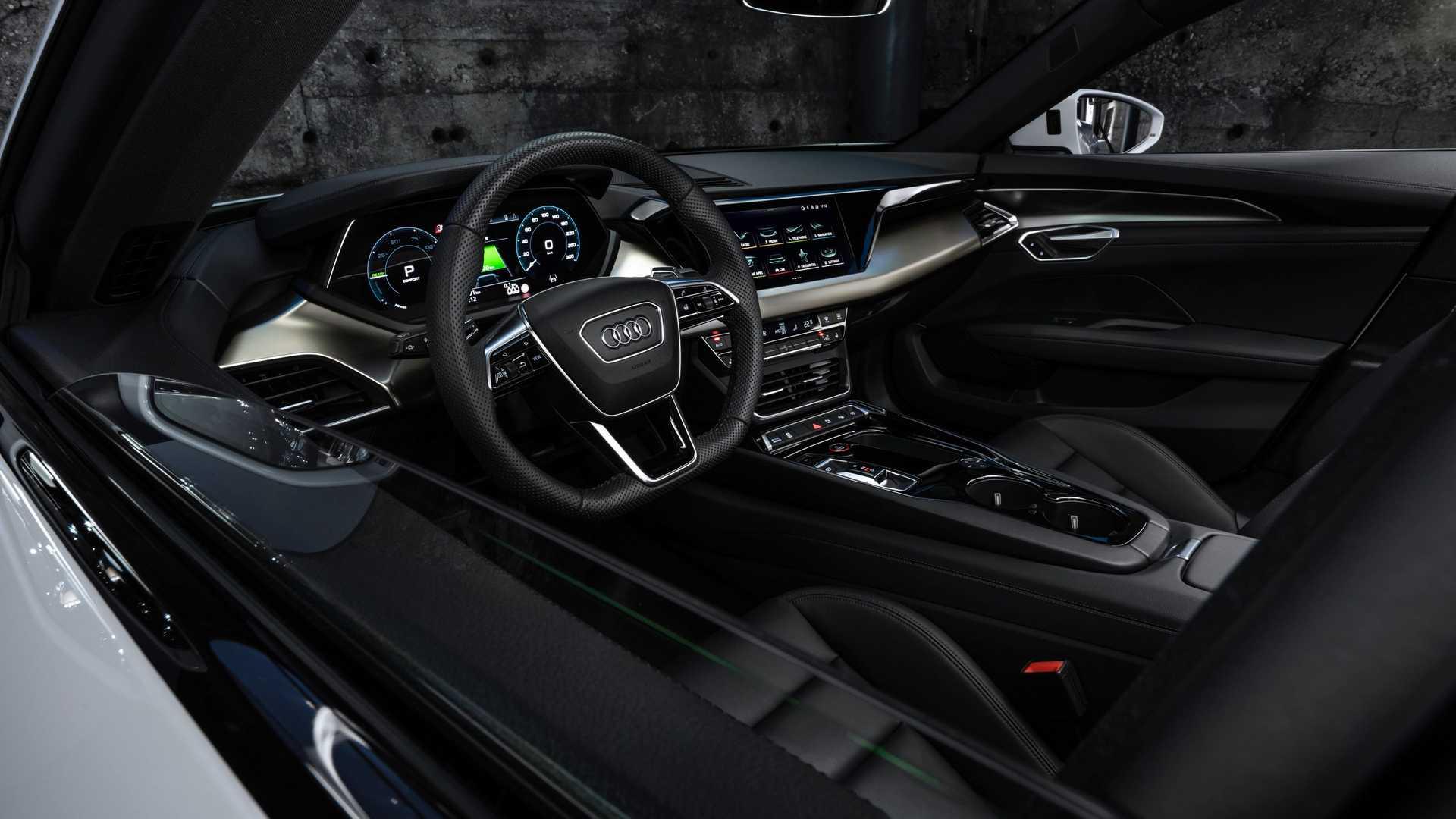 Лучшие новости о новом электрокаре Audi e-tron GT