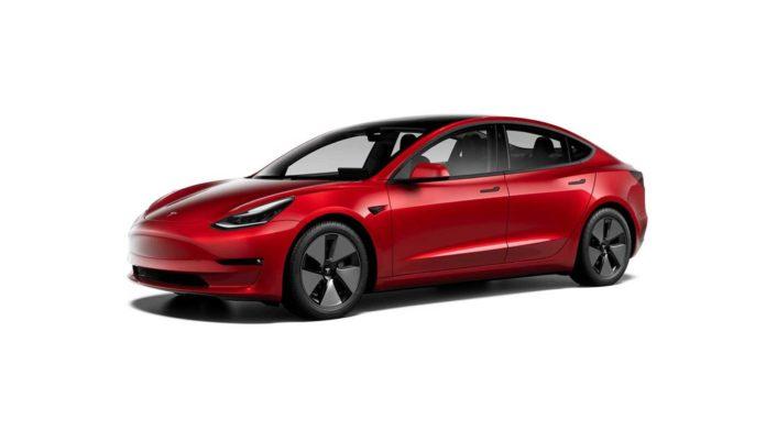 Лучшие новости о самом продаваемом премиум-седаном Tesla в мире