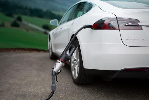 Лучшие новости: в судебном порядке была признана вина Tesla в ограничении скорости зарядки