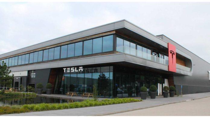 Лучшие новости о старейшем заводе Tesla в Европе