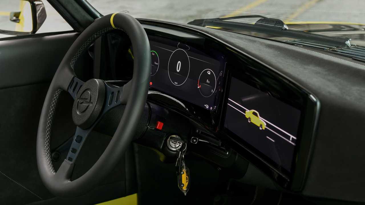 Opel Manta GSe ElektroMOD: Erste Sitzprobe